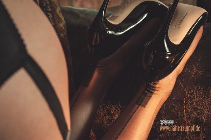 Cuban heel ff seamed nylons