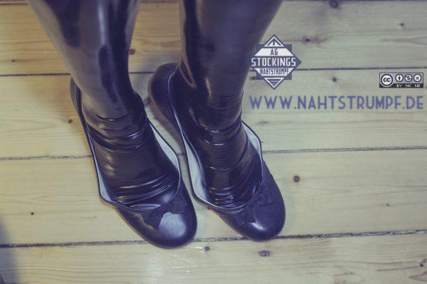 Latex feets and flats