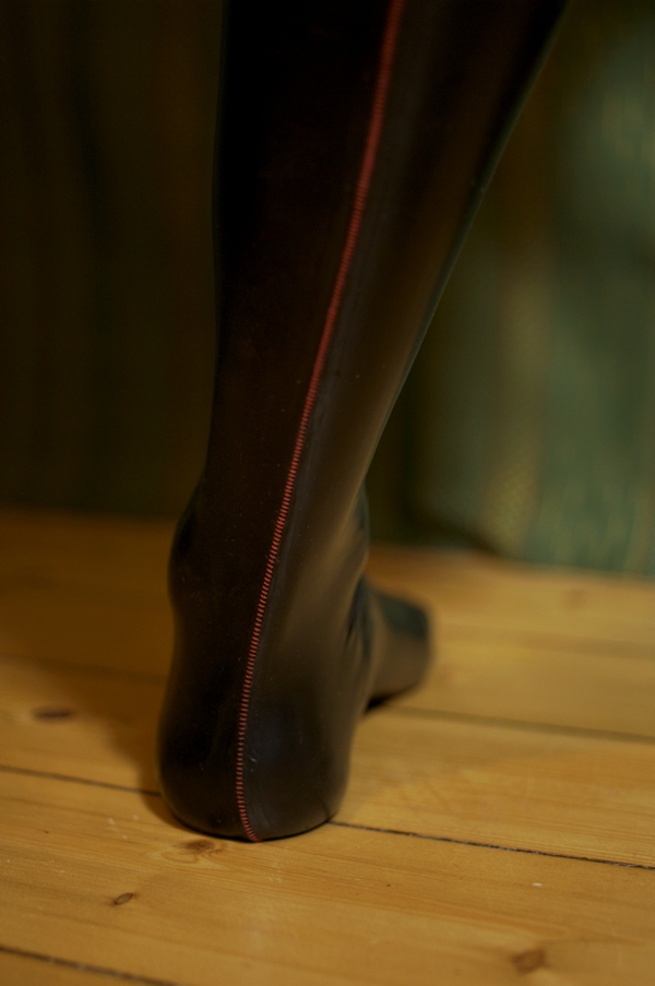 Backseam ff seamed latex stockings
