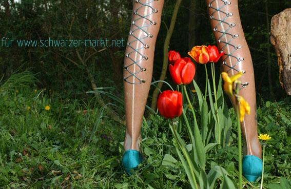 2012 latex stockings med backseam