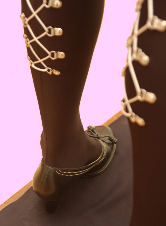 Detail of AG Nahtstrumpf Lacing stockings